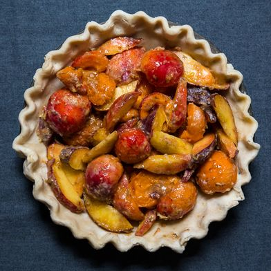 A Fruit Crumb Pie for Late Summer