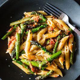 Craig Claiborne's Pasta con Asparagi