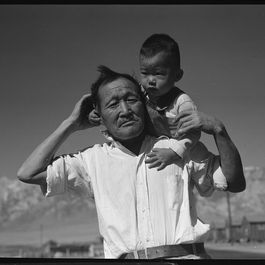 8a28418d 3af7 41d7 9fdd 7cc7178a588f  manzanar relocation center manzanar california.grandfather and grandson of japanese ancestry at .nara 537992