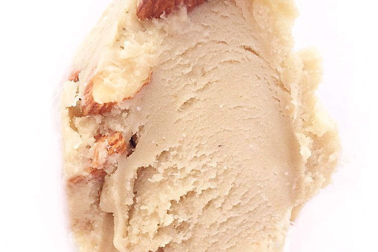 Almond crunch halva ice cream