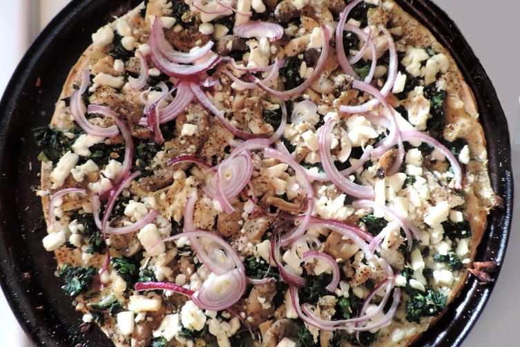 Spinach-Chicken-Feta Thin Crust Pizza + Variations