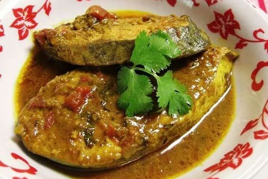 #Curried #Snapper with Green #Mangoes