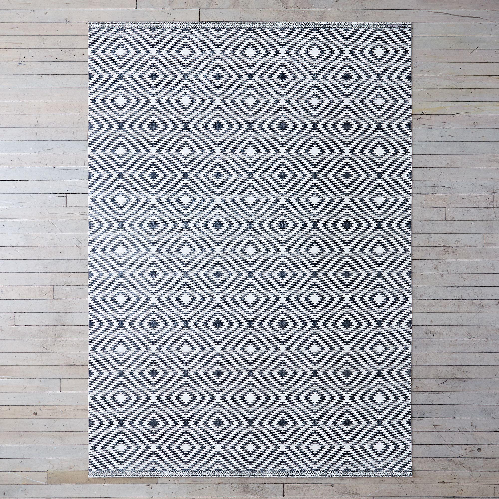 835dfbcd 7520 489c a53d 64008e896308  2017 0628 kiss that frog flatwoven vinyl mat nordic textile black diamond 5 by 8 silo rocky luten 004
