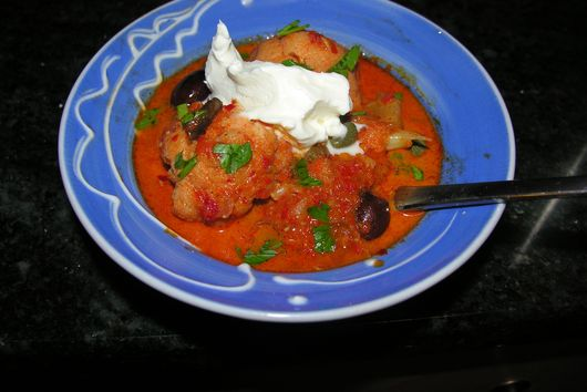 A cream cauliflower and red pepper duet