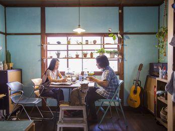 At the Osaka Home of Musicians Shinji Masuko and Maki Toba (of Boredoms)