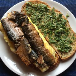 Adaptable Kipper Snack, Omelet and Parsley Salad Sandwich