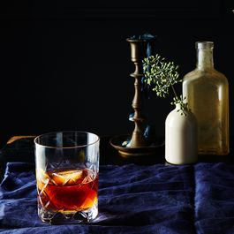 F02fad3f cf9f 4e13 aeb1 906a150e5cc8  2015 1015 vieux carre cocktail with rye whiskey james ransom 009