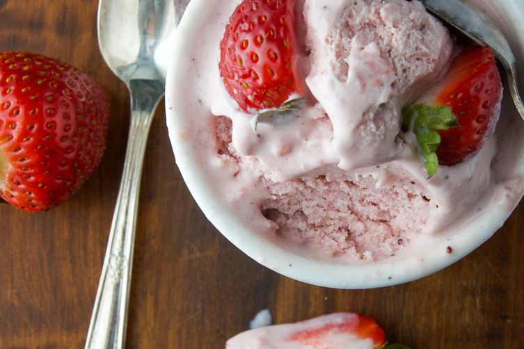 strawberry daiquiri ice cream