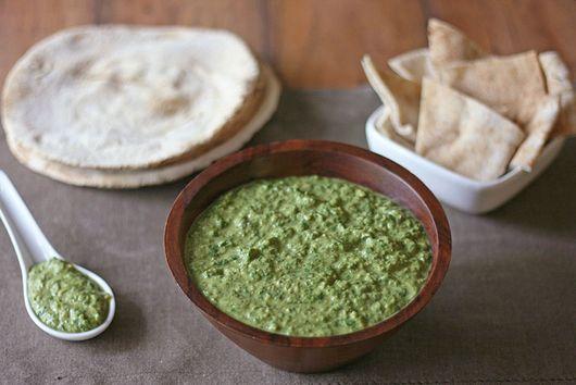 Roasted Garlic Spinach Hummus