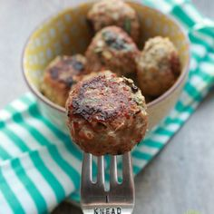 Baked Turkey Quinoa Spinach Meatballs.