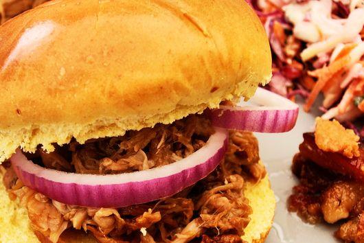 Jimi's Easy Pulled Pork Burgers