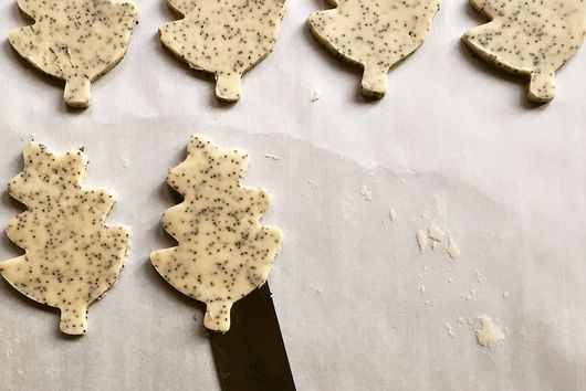 Thyme and Poppy Seed Shortbread Cookies