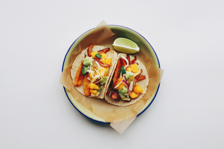 Beer-oyster mushrooms tacos with mango slaw