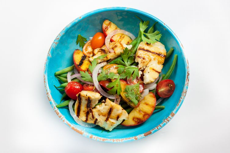 Grilled Halloumi & Peach Salad