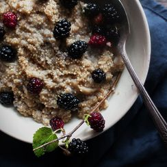 Maple Mulberry Quinoa Oatmeal Bowl