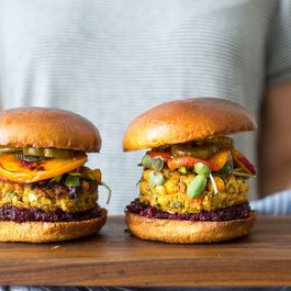 vegan burgers by Sophies Foodie