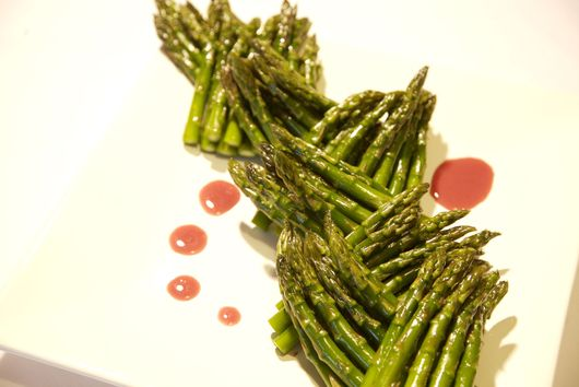 Asparagus with Creamy Raspberry Dressing