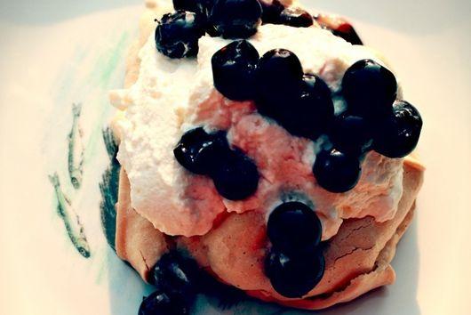 Blueberry Pavlova