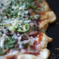 Sweet Summer BBQ bacon pizza
