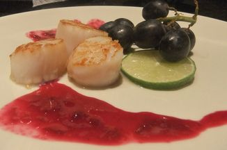 B2b1fd46-15f8-492d-bdd8-2714669c7341--scallops_with_grapes_and_lime