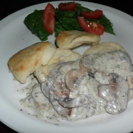 13e79ccb d3d3 46d0 95e5 9030a600e6f4  creamy garlic mushroom on the biscuit