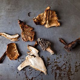 15382475 14b0 41dd ae86 2e79920a3bbd  dried mushrooms