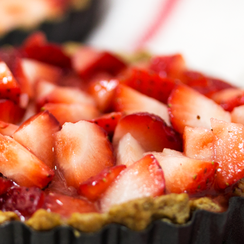 Paleo Effect (Gluten Free, Dairy Free) Strawberry Pie with Sweet Nut Crust