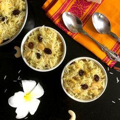 Apple Kesari Bhaat/Sweet Saffron Rice with Apples