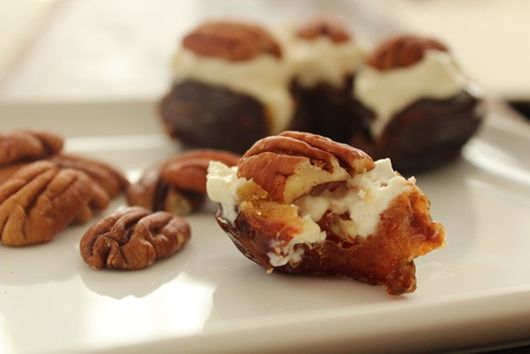 Stuffed Dates with Mascarpone Cheese and Nuts