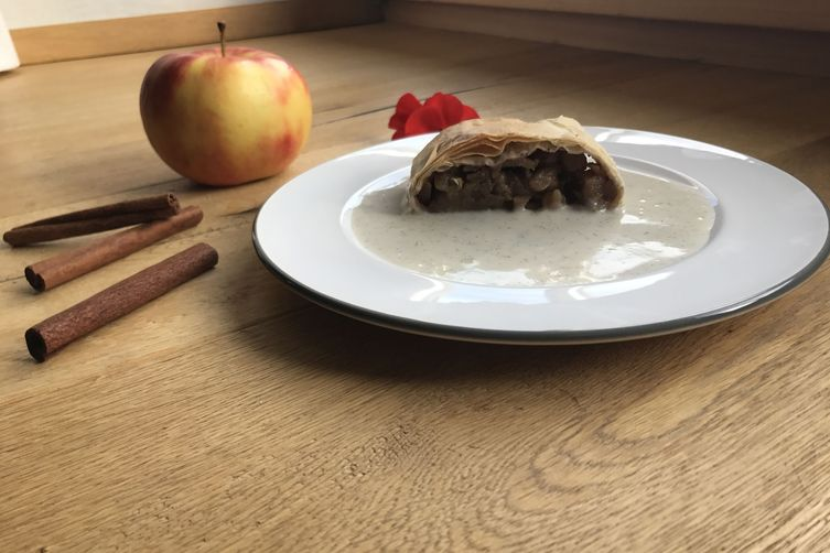 Andi's Absolutely Awesome Austrian Apple Strudel