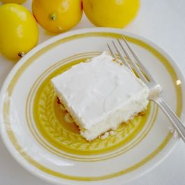 57a3e856-edb0-423c-a5a9-412f9c33150b--meyer_lemon_cheesecake