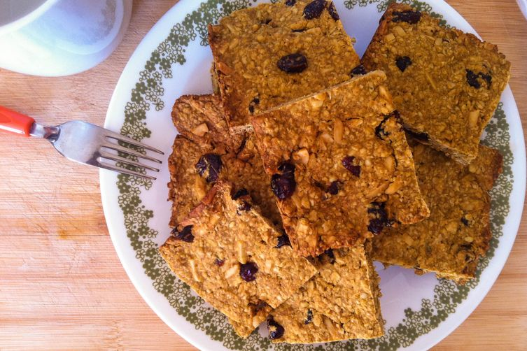 Baked Pumpkin Cranberry Almond Oatmeal Squares