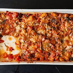 15 Tomatoey Genius Recipes for Pasta, Pizza, Salads & Such