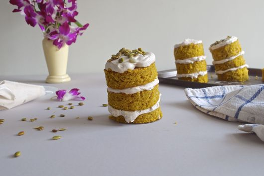 Pumpkin Buttermilk Mini Cakes