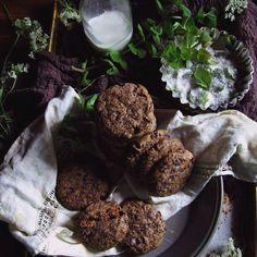 Sir Thomas Sharpe's dark chocolate garden mint cookies