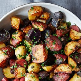 8f78b9b7-a353-40f4-aa14-b0ae0d577897--butter-braised-fingerling-potatoes_mark-weinberg-076