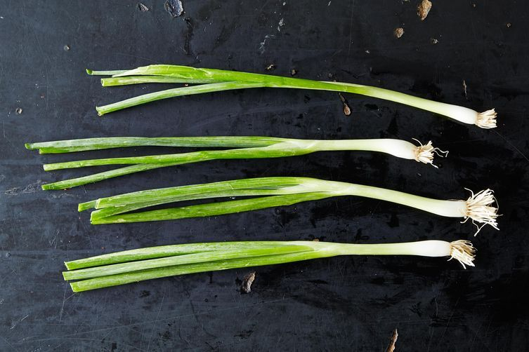 How to Buy and Use Scallions
