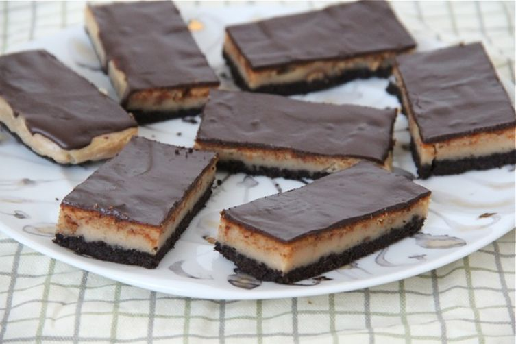 Chocolate Peanut Butter Cheesecake Slice