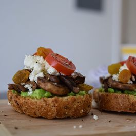 Pea & Mint Puree, Mushroom & Feta Cheese Crostini