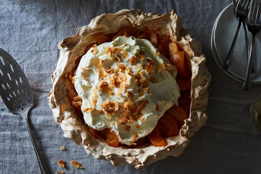 A Peach Pie to Satisfy Summertime Cravings