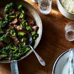 This Saucy, Speedy Beef & Broccoli Stir-Fry Will Ruin You For All Others