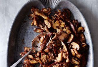 The Genius Secret Ingredient Your Sautéed Mushrooms Are Missing