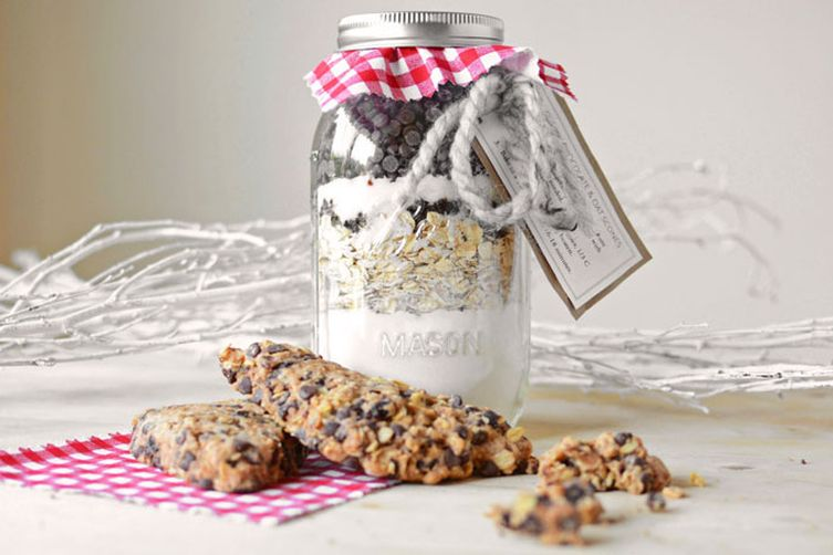 DIY Jarred Gift- Chocolate Cherry Oat Scones