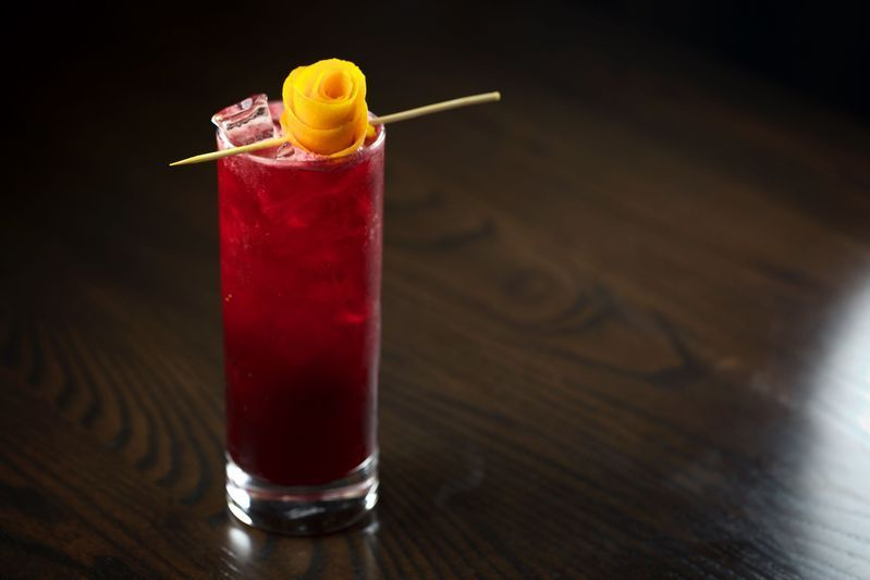 Should bartenders have to care about making this beet tonic spritzer?