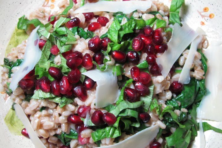 Farro, Spinach & Pomegranate - Holiday Healthy