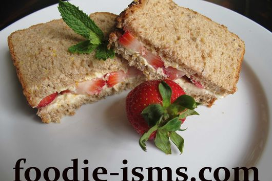 Strawberries N' Cream Sandwich