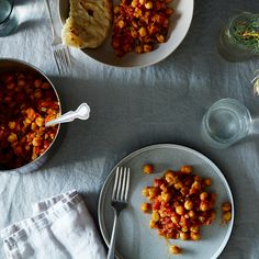 Chhole a.k.a Chana Masala (Indian Spiced Chickpeas)