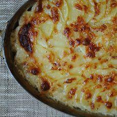 Pommes Dauphinoise (Potatoes au Gratin)