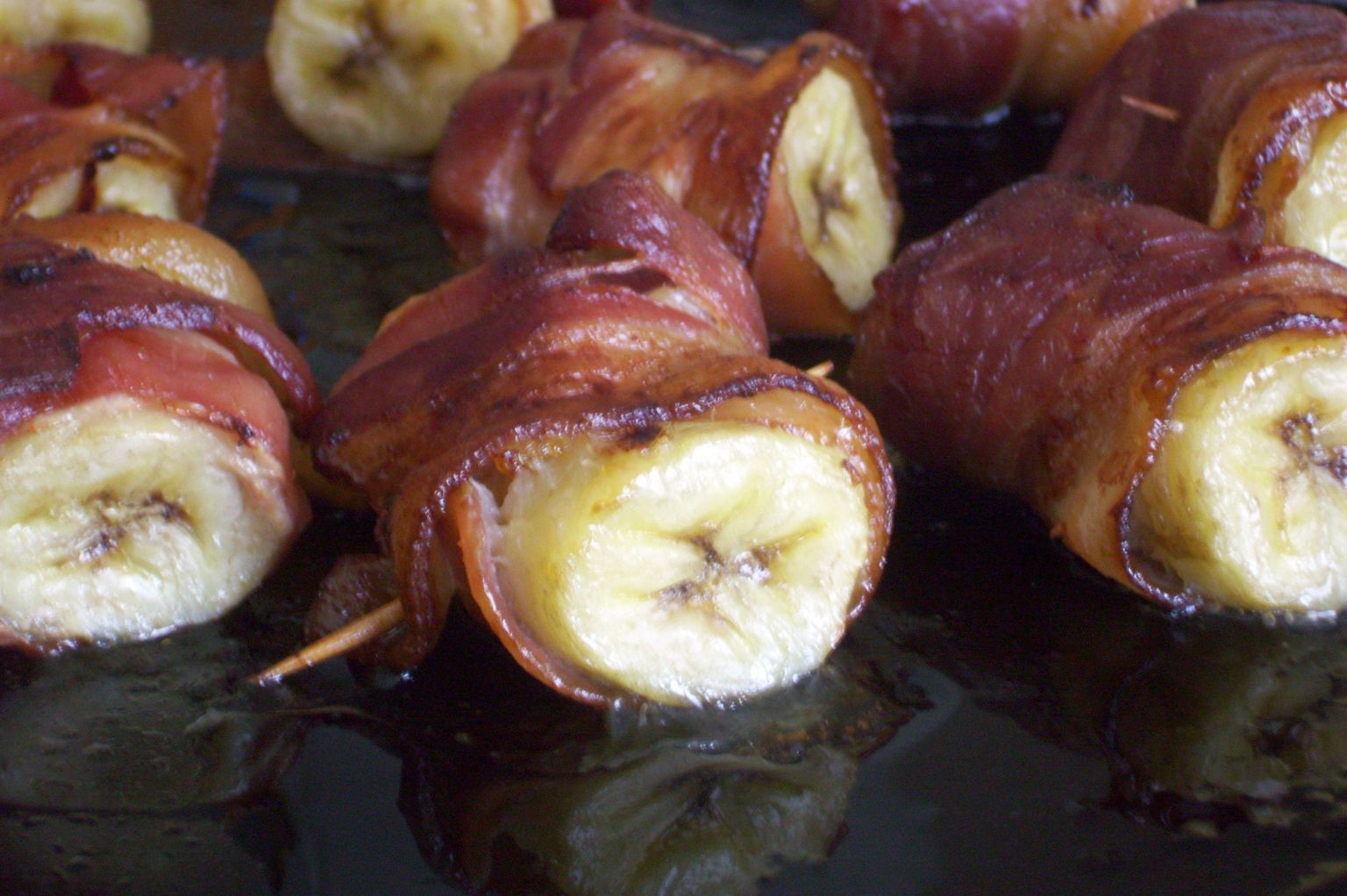 42c4540f-c3d5-4654-8529-5efb832bed7b--Banana_wrapped_in_Bacon_Roasted_plantains_and_035.JPG