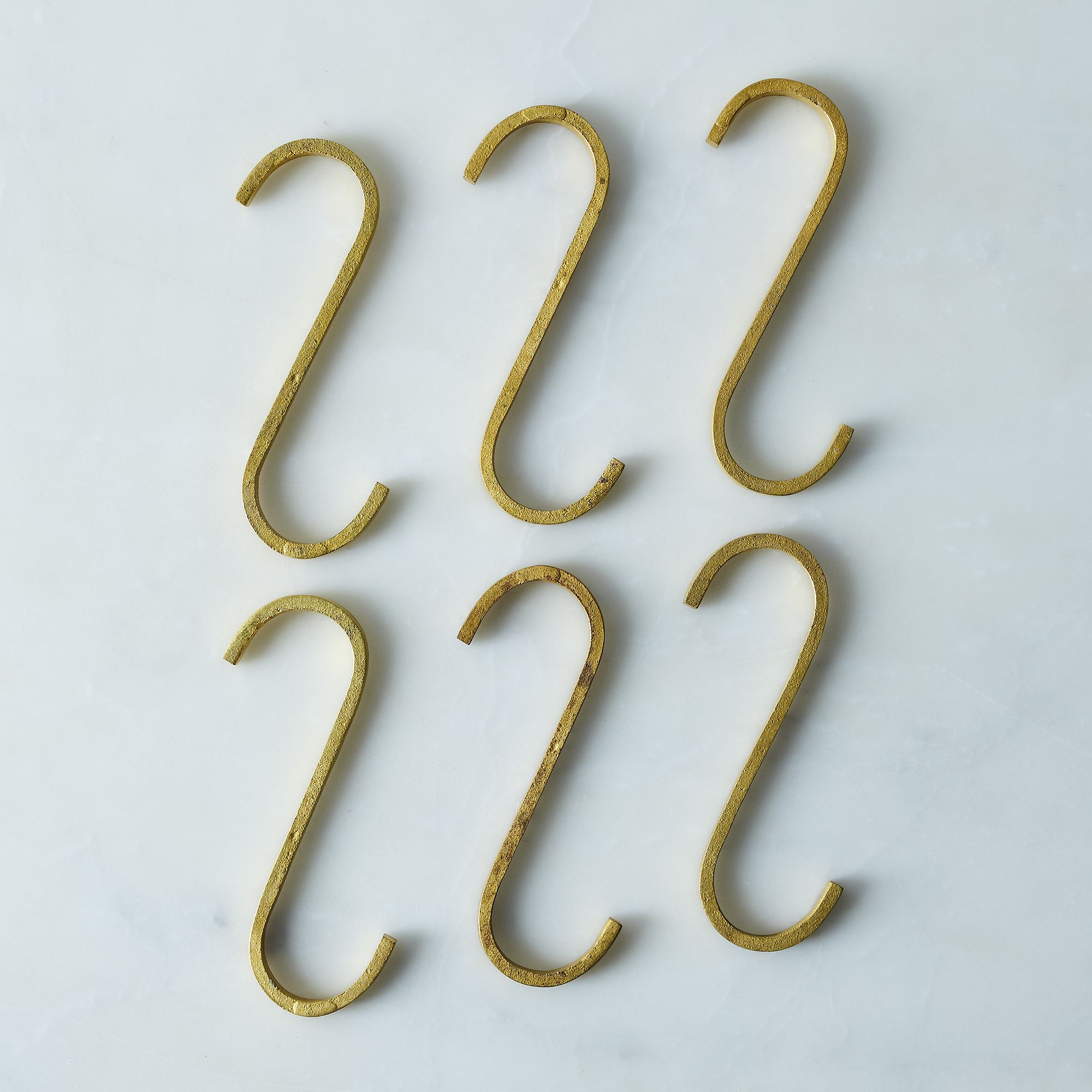 855c2de2 1322 4c95 9797 f21a3289f149  2017 0121 sir madam brass s hooks set of 6 silo rocky luten 024